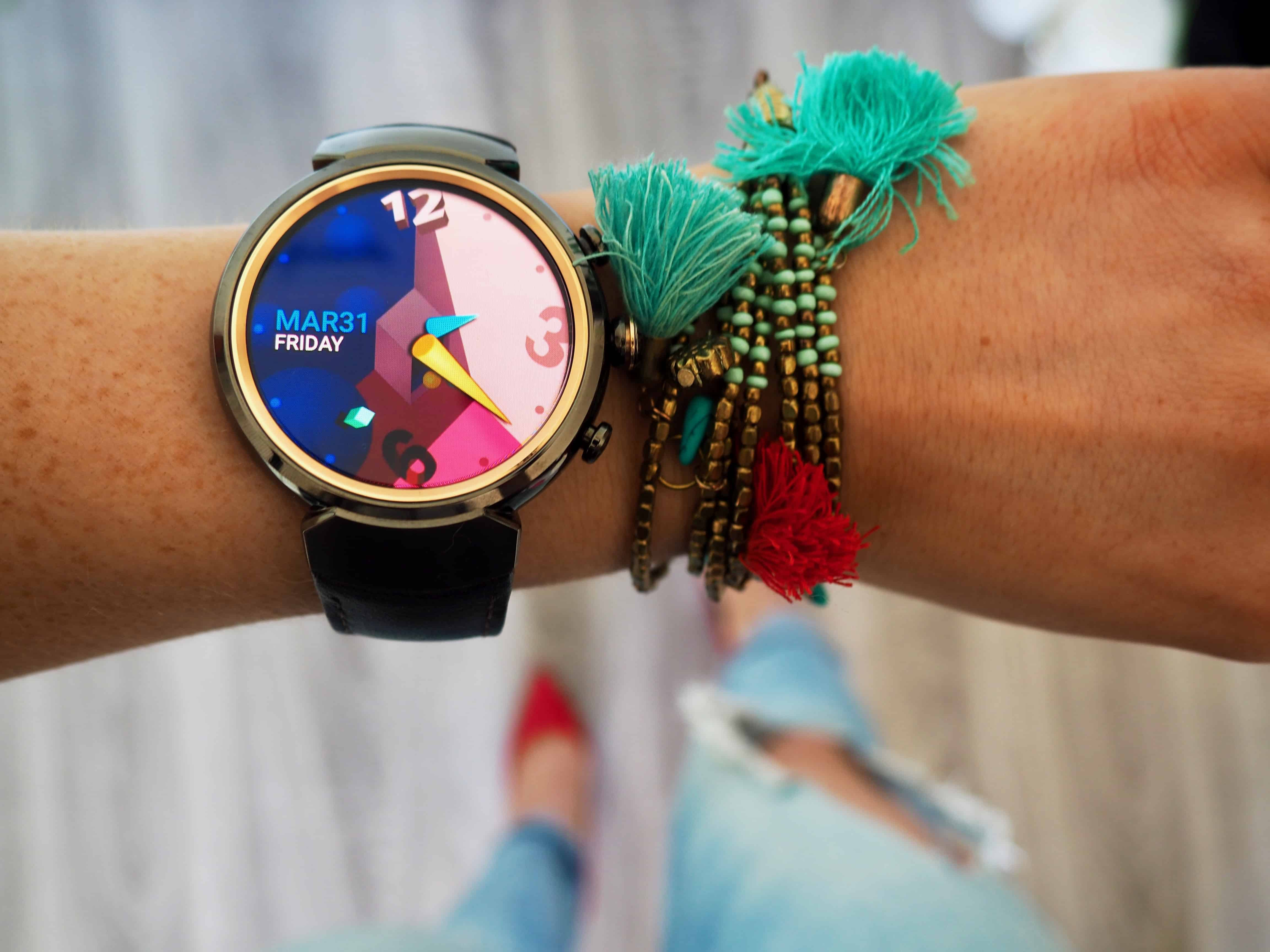 Review: 3 Zenwatch is Smart and Stylish Watch